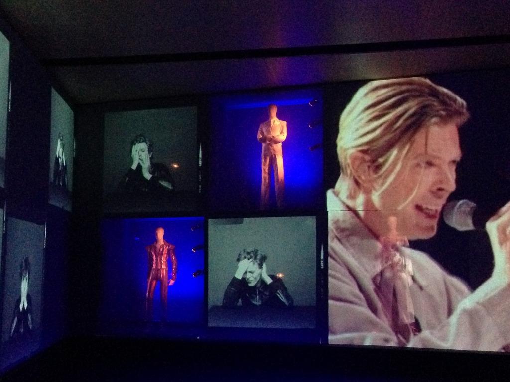 """""""David Bowie Is"""" à la Philharmonie de Paris"""