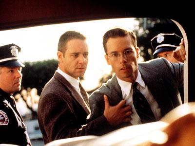 Crowe et Pearce