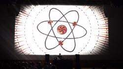"""Max Cooper présente son spectacle vidéo sonore """"Emergence"""" au Yoyo à Paris le 24 avril"""
