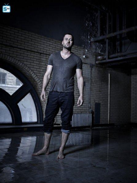 Tom Keen joué par Ryan Eggold