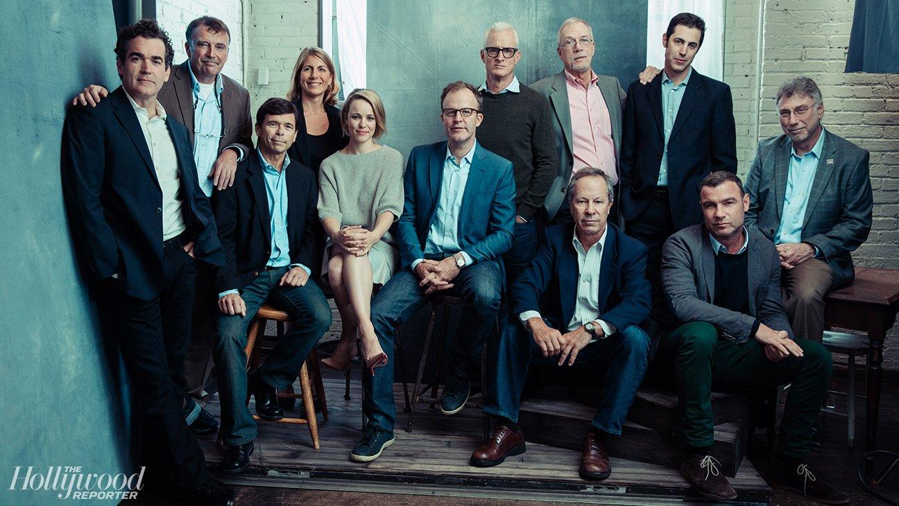 Une pertie du casting avec les véritables journalistes