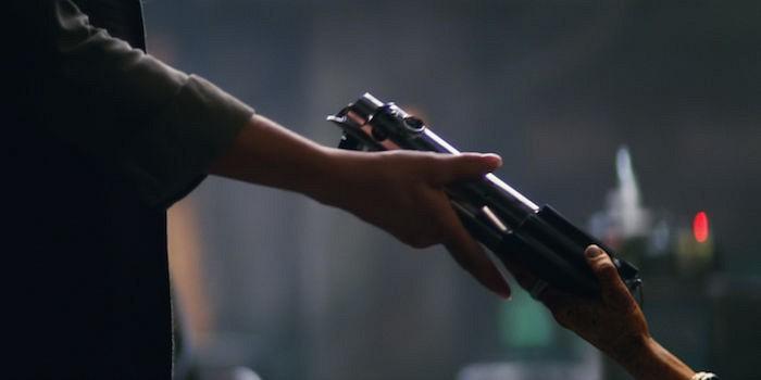 Star-Wars-7-Lightsaber