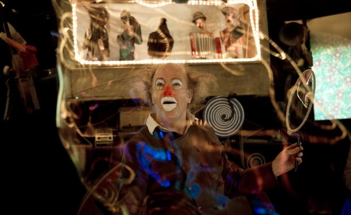 Le Petit Cercle Boiteux de Mon Imaginaire, un clown surprenant à la Villette