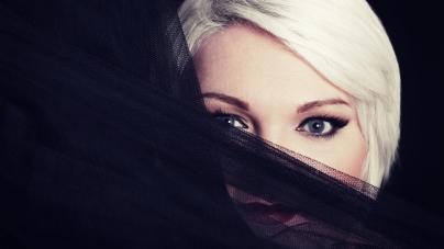 Mathilde dévoile un premier album jazzy : Je les aime tous