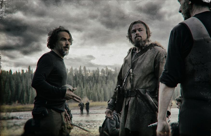 Alejandro González Iñárritu et Leonardo DiCaprio sur le tournage de The Revenant- Copyright 2015 Twentieth Century Fox