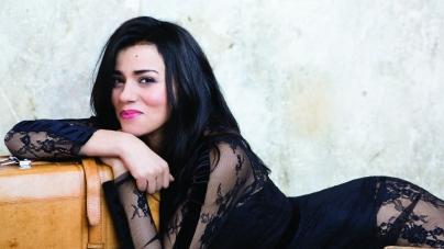 Sonia Lacen : sa reprise de «Bang Bang» en version acoustique !