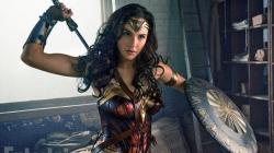 """SDCC : Warner frappe un grand coup avec """"Wonder Woman"""""""