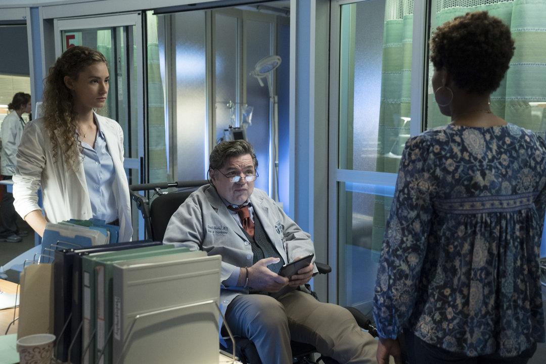 "CHICAGO MED -- ""Soul Care"" Episode 201 -- Pictured: (l-r) Rachel DiPillo as Sarah Reese, Oliver Platt as Daniel Charles -- (Photo by: Elizabeth Sisson/NBC)"
