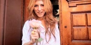 Kendra Morris : son nouveau single anti Instagram s'appelle Woman