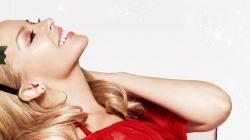 Kylie Minogue vous souhaite un very Kylie Christmas!