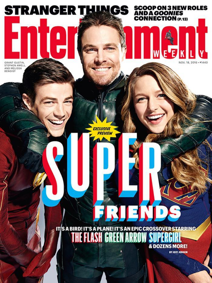 quand-the-flash-arrow-et-supergirl-posent