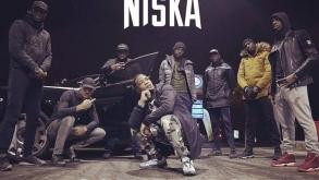 Niska passe en mode «Commando» pour son nouveau clip inédit (déjà 1,2 M de vues) !