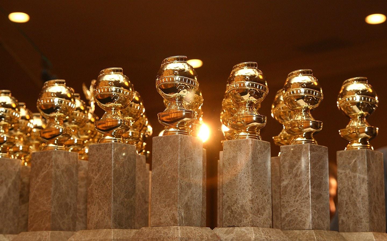 golden-globes-statues