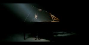 «I Don't Mind» de Nemo Schiffman : un clip piano / voix efficace !