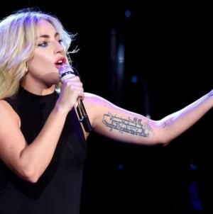 En plein Coachella, Lady Gaga dévoile «The Cure», un nouveau morceau !