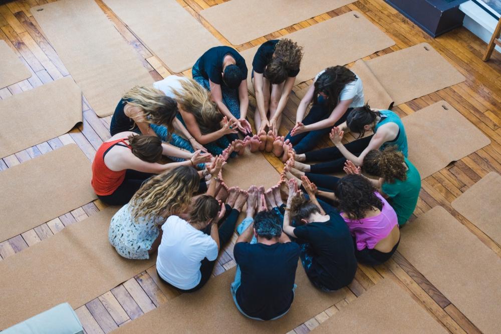 les amazones parisiennes acro yoga