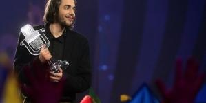 Eurovision : Découvrez Salvador Sobral et «Amar Pelos Dois» !