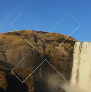 The XX crée son Night + Day Festival aux pieds d'une cascade en Islande