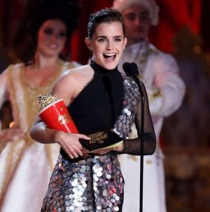 MTV Movie Awards : Emma Watson reçoit le premier prix non-genré !