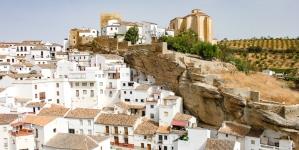Sous la roche en Espagne à Setenil de las Bodegas