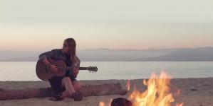 Découvrez le premier clip de Angie Robba : « Freaking Day » !
