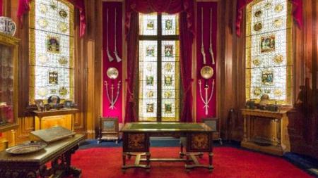 Le cabinet de curiosités de l'Hôtel Salomon de Rothschild ouvre ses portes.