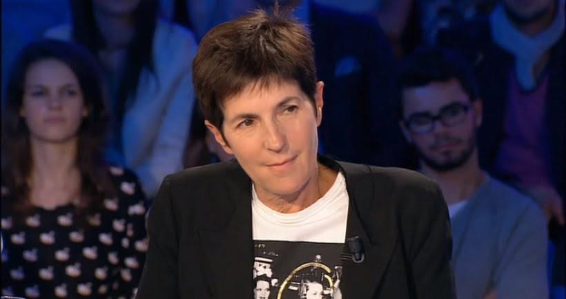 Christine Angot en 2015 sur le plateau d'On est pas couché