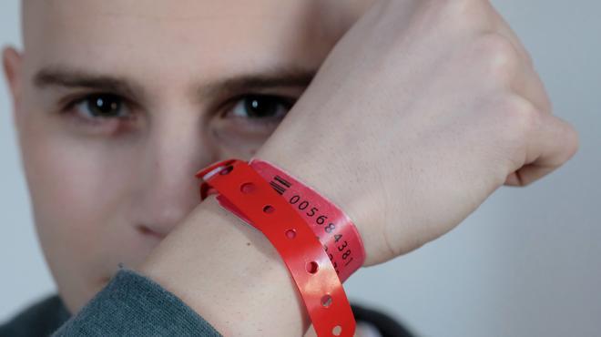 Critique «Les bracelets rouges» : la série qui a ému les français