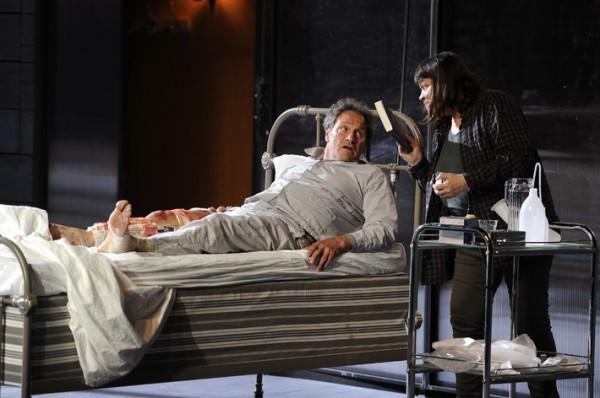 """""""Misery"""" par William Goldman : Un huis clos adapté de Stephen King"""
