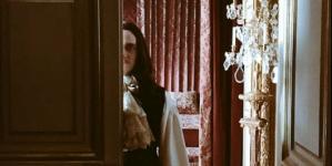 Versailles : Pas de diffusion de la saison 2 avant 2017 !