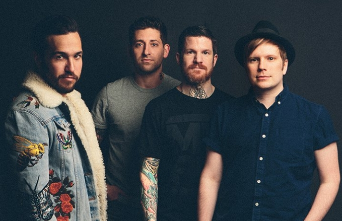 [Critique] « M A N I A » – Fall Out Boy : un revirement de style impressionnant
