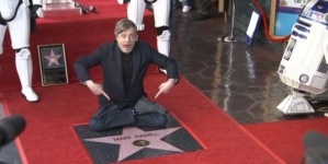 Mark Hamill rejoint les étoiles du Walk of Fame à Hollywood
