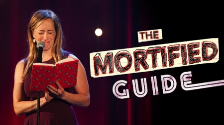 Critique « The Mortified Guide » : la docu-série hilarante qui se moque de nos galères adolescentes
