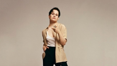 Christine and the Queens revient avec le single « Damn, dis-moi / Girlfriend »