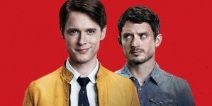 Critique « Dirk Gently » S1 (Netflix) : guide du (non-)sens