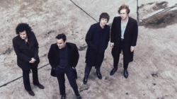[Review] « Let's Go Sunshine » : le retour aux sources de The Kooks
