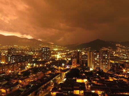 Le centre ville en Colombie d enuit