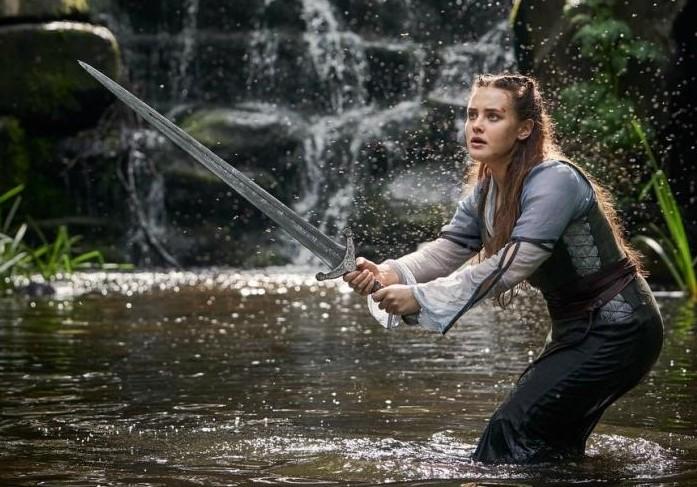 « Cursed » (Netflix) : une réécriture au féminin de la Légende du Roi Arthur