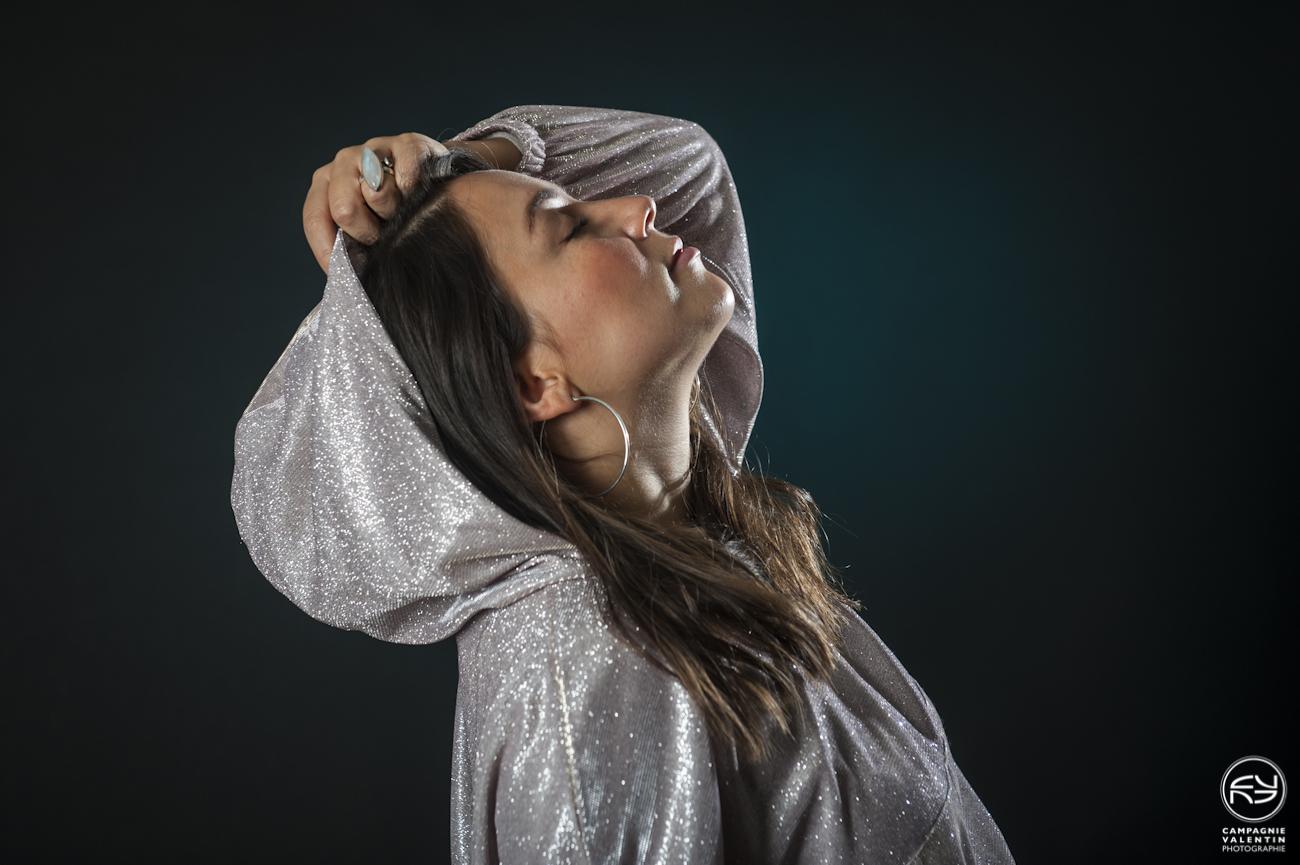 Sara Lugo sort Flowaz, un single enchanteur