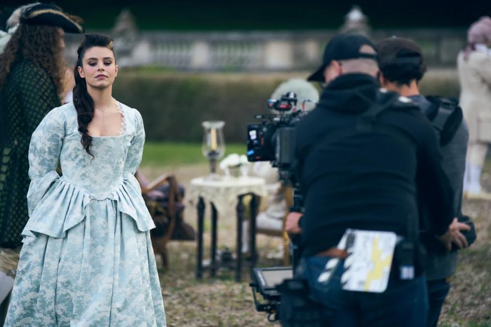 Marilou Aussilloux sur le tournage de La Révolution (crédit photo : Emmanuel Guimier)