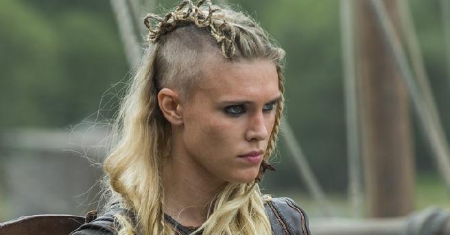 Gaia Weiss incarnant Porunn dans Vikings
