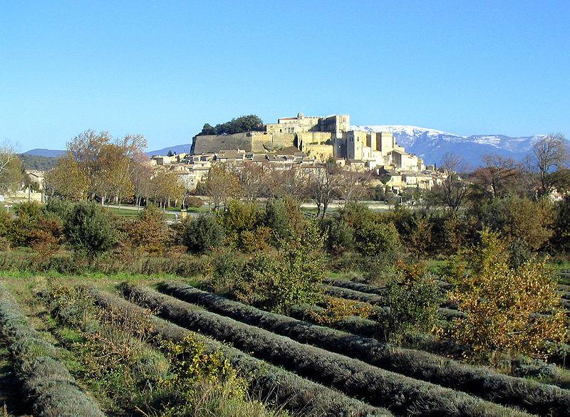 Photographie du paysage de Grignan, des paysages omniprésents dans l'œuvre de Philippe Jaccottet.
