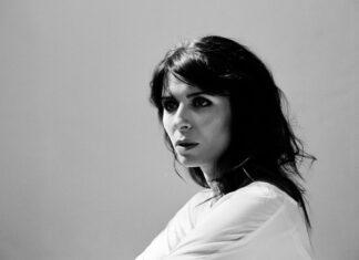 Kira Skov livre deux extraits de l'album Spirit Tree